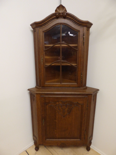 Vintage French Corner Display Cabinet - f06